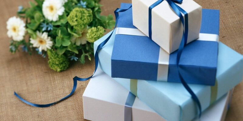 Thoughtful Gift Ideas to Surprise Your Grandma on Her Birthday